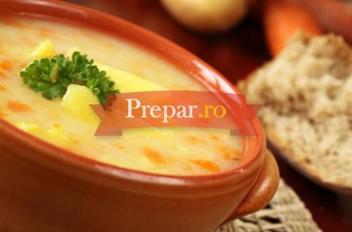 Foto 1 - Supa de mazare si cartofi cu busuioc
