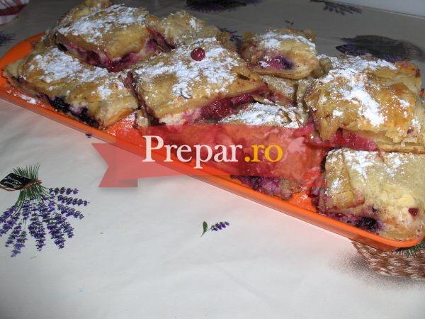 Foto 1 - Foietaj cu fructe de padure