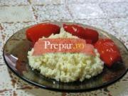 Piure de conopida cu spanac si sos de tomate