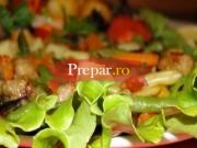 Salata de orez cu sos vinegreta