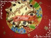 Tort de cozonac umplut cu crema chantilly