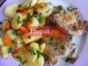 Ceafa de porc cu usturoi la cuptor