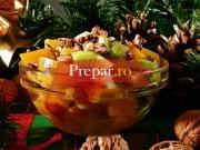 Salata de piersici si mandarine din compot