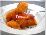 Mancare de cartofi cu castravete murat