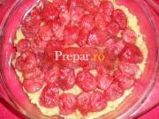 Prajitura dietetica cu mere si capsuni