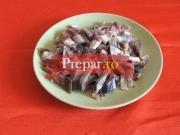 Scrumbie marinata cu sos de hrean