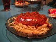Spaghetti alla moda dello stretto (cu dovlecei si sardele)