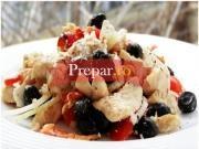 Salata de pui cu ardei copti