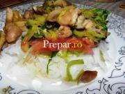 Salata chinezeasca cu taitei