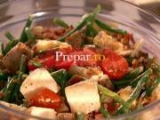 Salata combinata cu castraveti