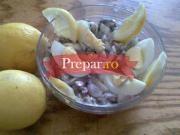 Salata cu hamsii marinate
