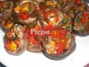 Ciuperci umplute cu legume