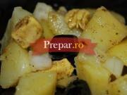 Salata cu pui si cartofi