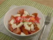 Salata de rosii cu branza prajita