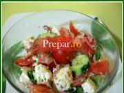 Salata cu feta si jambon crud afumat