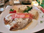 Carne cu sos de gorgonzola