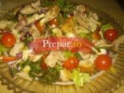 Salata de pui cu crutoane si broccoli